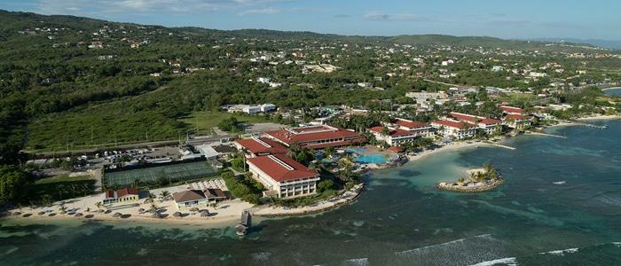 Holiday Inn Sunspree Affordable Jamaica Honeymoons