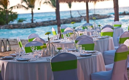 Renaissance Aruba includes affordable wedding packages