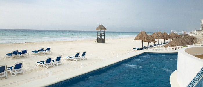 beach at golden parnassus cancun