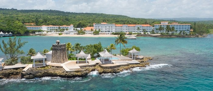 Couples Tower Isle offers all inclusive stays