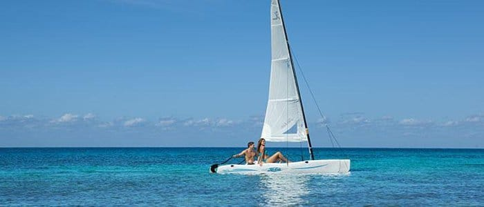 Go sailing in Cozumel on your honeymoon