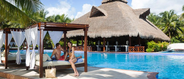 Poolside service at El Dorado Royale