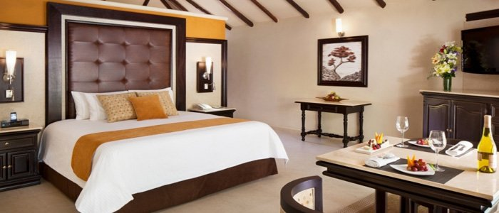 El Dorado Casitas Royale suites include room service