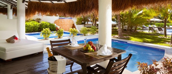 El Dorado Casitas Royale includes suites with private plunge pools