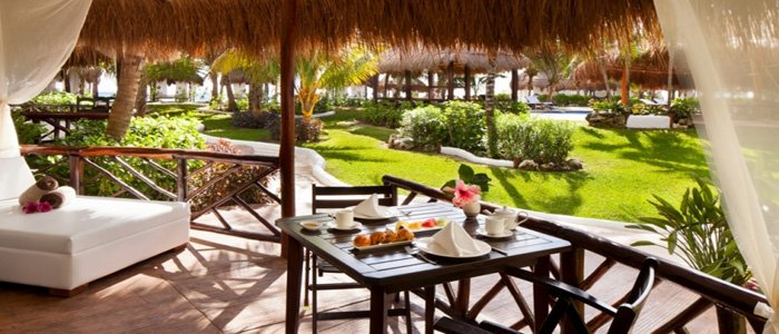 El Dorado Casitas Royale offers presidential suites with stunning tropical garden and ocean views