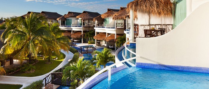 El Dorado Casitas Royale includes stunning caribbean views of blue waters