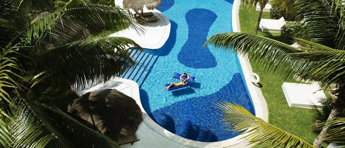 Excellcene Riviera Cancun includes swim out suites