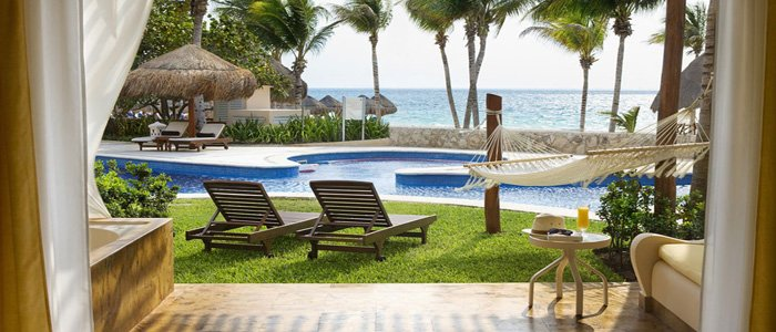 Excellence Riviera Cancun includes swim up suites