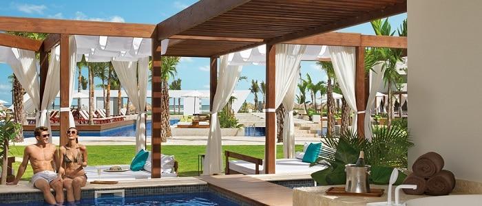 now-onyx-preferred-club-junior-suite-private-pool
