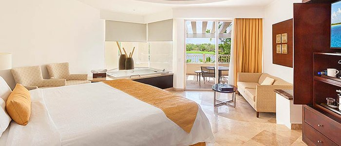 Moon Palace Cancun includes luxurious junior suites