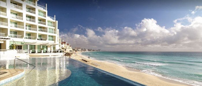 Sun Palace Cancun beautiful blue waters all inclusive