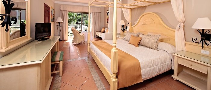 Luxury suite at the all inclusive Luxury Bahia Principe Ambar Blue