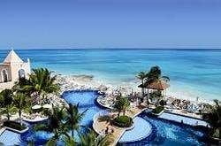 The Riu Cancun has a fabulous pool