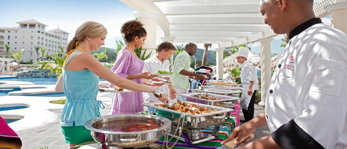 All you can eat and all you can drink at Riu Guanacaste