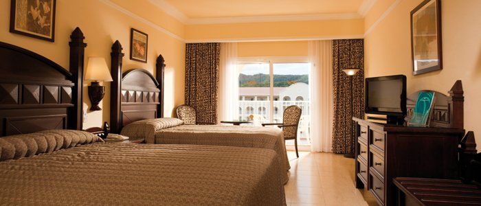 Affordable luxury rooms at RIu