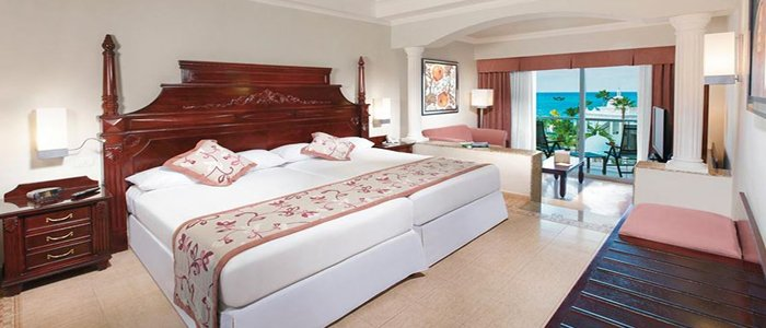 Riu Palace Las Americas includes luxury rooms and suites