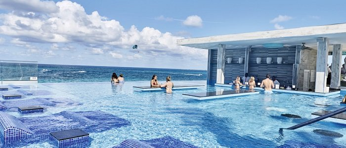 Riu Paradise Island includes infinity swim up bar