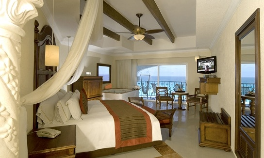 Foyal Cancun Royal Jr Suite OV
