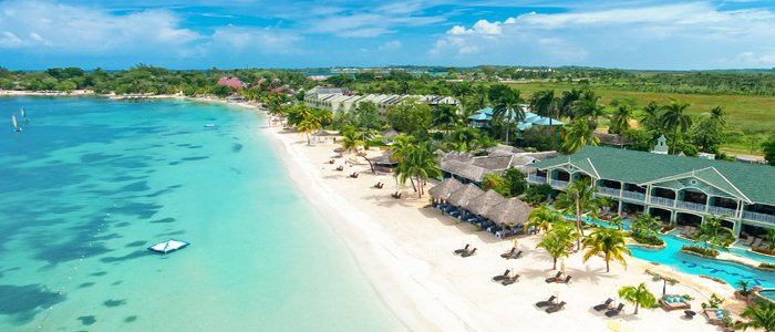 Sandals Negril offers all inclusive stays