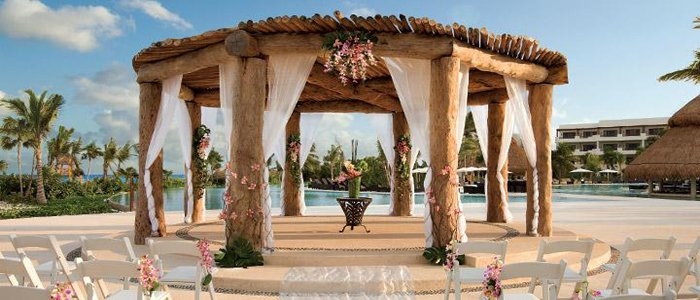 Secrets Maroma include affordable wedding packages