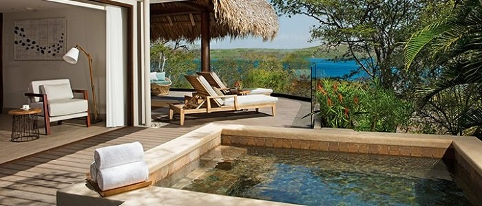 Secrets Papagayo includes presidential suites with plunge pool