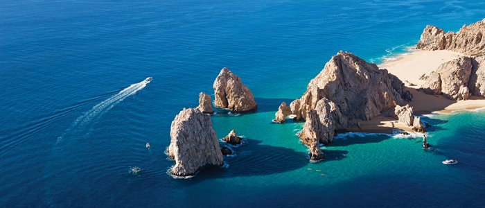 Secrets Puerto Los Cabos includes miles and miles of blue waters