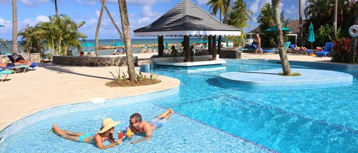 Rendezvous St Lucia includes poolside service