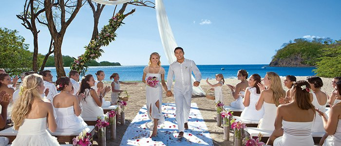 all inclusive destination wedding in Costa Rica at Dreams