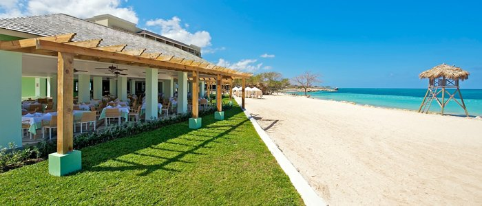 Iberostar Grand Rose Hall offers affordable honeymoon packages