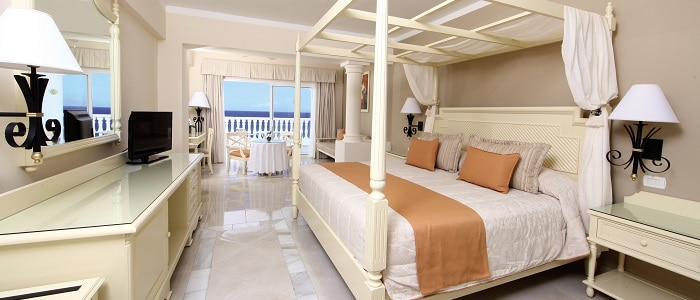 luxury-bahia-principe-jamaica-junior-suite-oceanfront