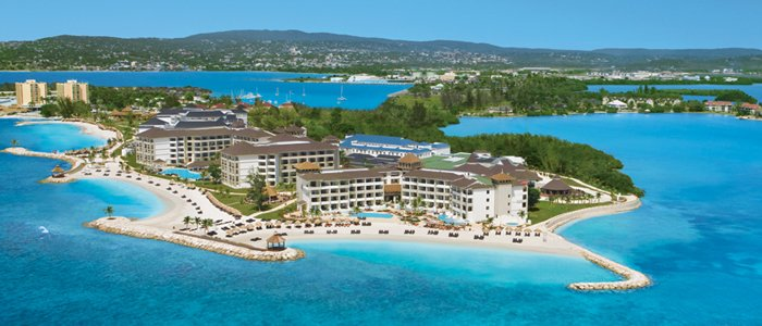 Montego Bay Honeymoons include stunning ocean views and luxury services