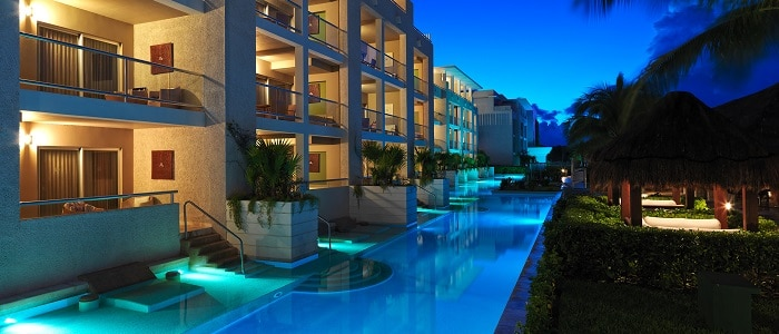 swim up suites at night