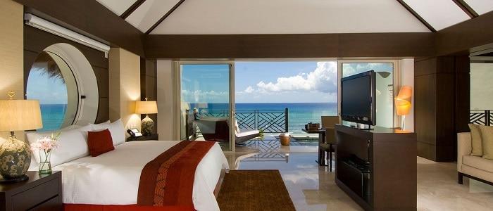 great honeymoon suite in Mexico