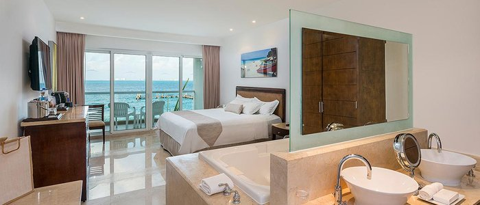 Isla Mujeres Palace includes ocean view suites