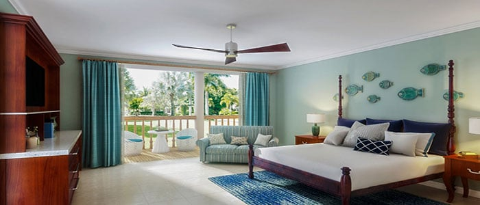 Tropical Beachfront One-Bedroom Grand Concierge Family Suite - 1BG