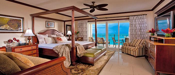 Italian Beachfront Two Bedroom Butler Family Suite - G2