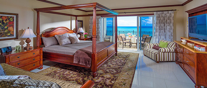 Italian Oceanfront Penthouse Concierge Family Suite with Kids Room - S2