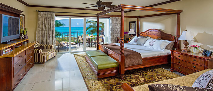 Italian Oceanfront Concierge Family Suite with Kids Room - D2