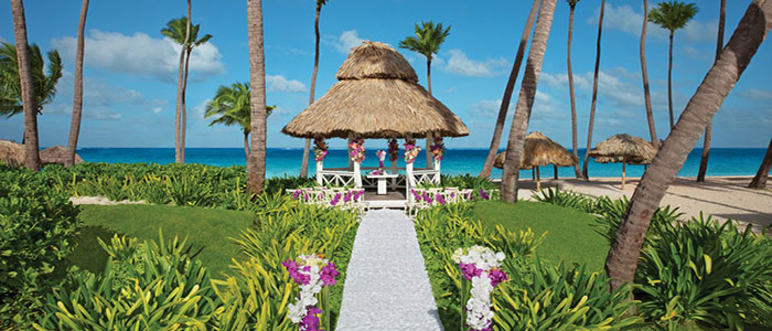 Book your wedding at Dreams Palm Beach Punta Cana