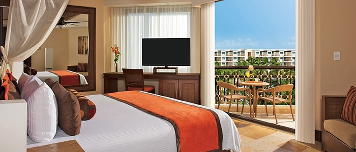 Premium Deluxe tropical garden view room