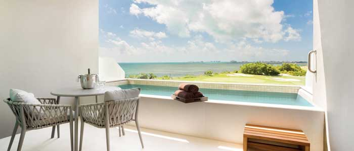 Preferred Club Deluxe Family Ocean View plunge pool