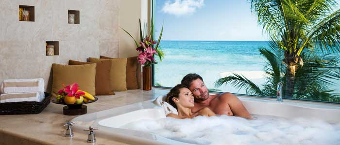 A romantic getaway is only a few clicks away!!