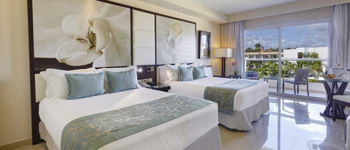Diamond Club room with 2 queen beds