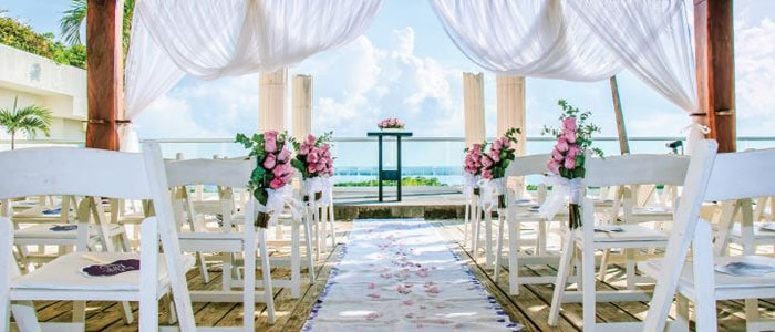 Book your destination wedding at Now Emerald Cancun