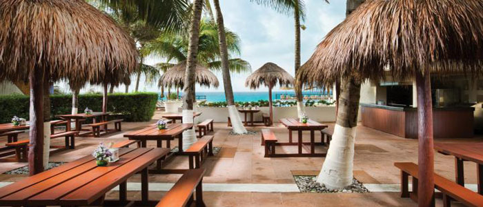 Unlimited luxury options await you at Now Emerald Cancun resort
