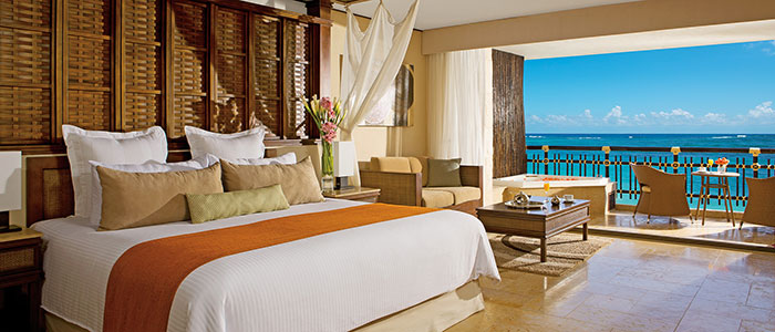 Preferred Club Honeymoon Oceanfront Suite