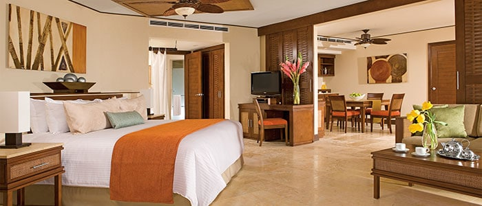 Preferred Club oceanfront master suite