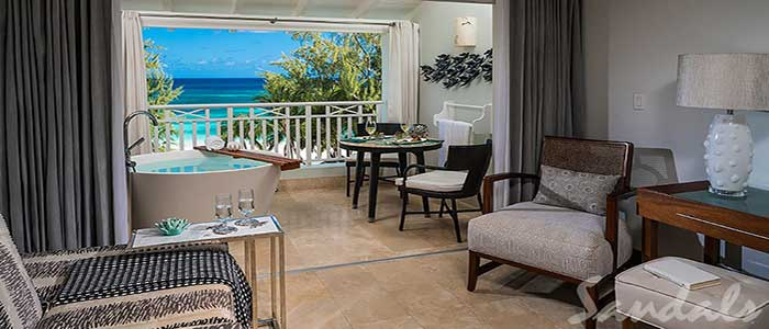 Beachfront Penthouse Club Level Suite with Balcony Tranquility Soaking Tub - OPT