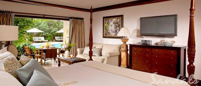 Caribbean Honeymoon Grande Luxe Poolside Walkout Rm - WGL