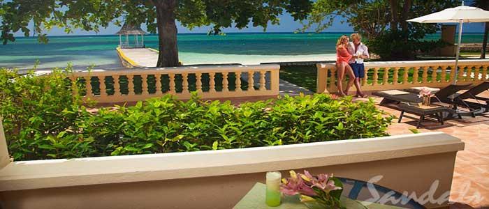 Beachfront Honeymoon Walkout Club Level Junior Suite - WBH